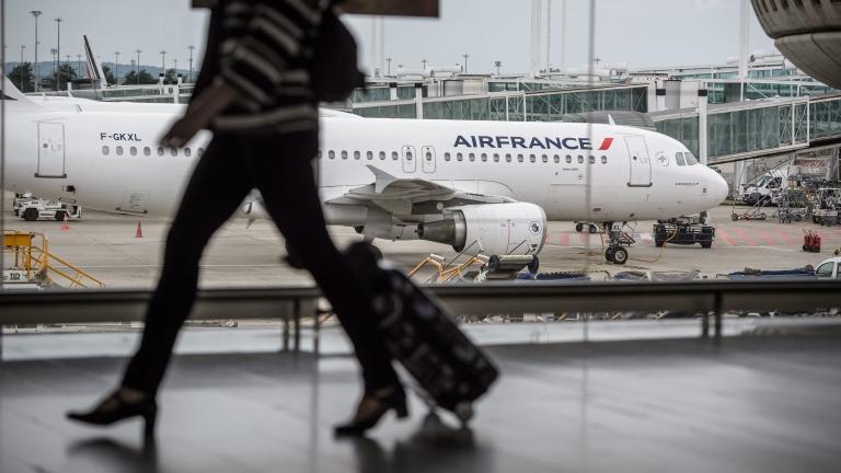 150 000 души останаха по летищата заради стачка във Франция