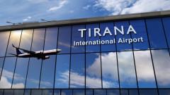 Войници контролират ключово летище в Албания след стачка