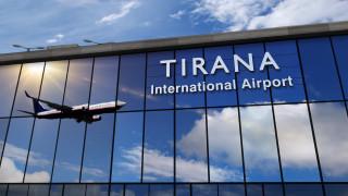 Албания вдига карантината за пътуващите транзит от С. Македония и Гърция