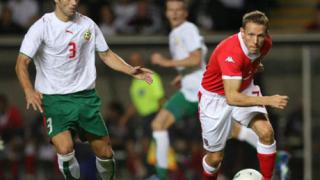 Грък свири България - Уелс