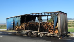 """Камион се запали в движение на АМ """"Струма"""""""