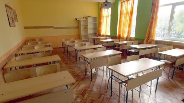 Грипна ваканция за 2124 училища у нас