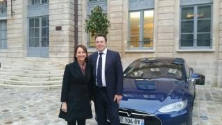 Франция предлага стара АЕЦ за европейски завод на Tesla