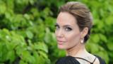 Анджелина Джоли, шестте ѝ деца и как се справят с изолацията