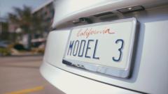 Над 325 хил. кандидат-купувачи само за седмица за електрическата кола Tesla Model 3