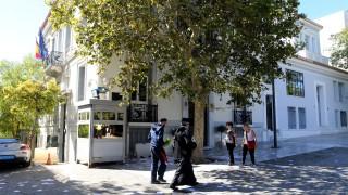 Анархисти, подкрепящи Каталуния, нахлуха в испанското посолство в Гърция