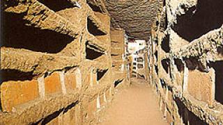 Свещеният граал се намира в катакомбите под Рим?