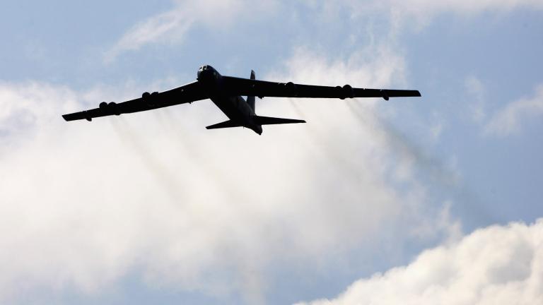 САЩ изпратиха бомбардировачи Б-52 над Южнокитайско море