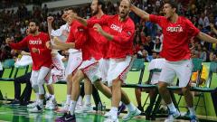 Хърватия обърна Испания на старта