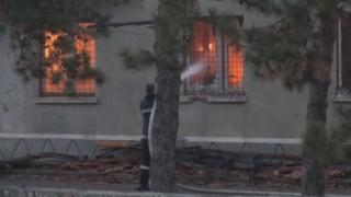 Късо съединение е подпалило склада на жандармерията в Бургас