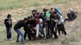 Израел стреля на месо срещу масов протест на палестинците в Газа