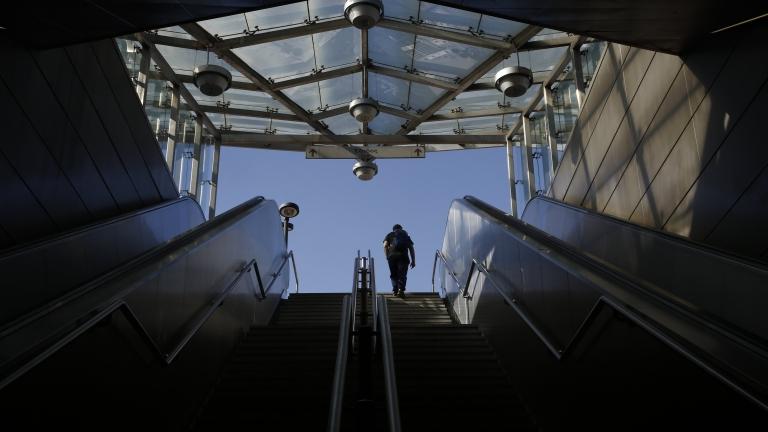 Евакуираха две метростанции в Атина заради бомбени заплахи