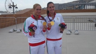 Стефани и Габриела на четвъртфинал в Прага