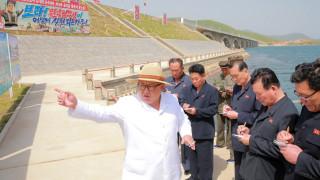 КНДР няма да зареже ядрените оръжия, но отваря бургер франчайз в Пхенян
