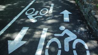 Колоездач отнесе жена пред болница в Бургас