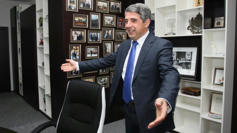 Радев отслабил президентската институция, разкритикува го Плевнелиев