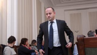 Прибраха в ареста 33-ма корумпирани митничари; Москов - министър, ДСБ - в опозиция, другите на власт мислят до петък
