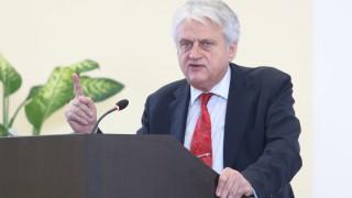Рашков поиска от Борисов да покаже предупредителните декларации
