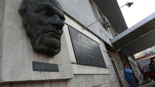 Пирогов няма да спира приема, но НЗОК да помисли за лимитите