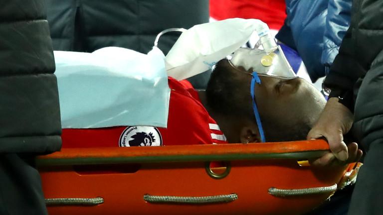 Ужасяващ удар изпрати Лукаку в болница, Юнайтед завърши 2017-а с пореден хикс (ВИДЕО)