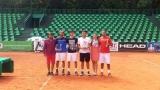 Победи за фаворитите на Държавното по тенис