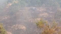 Рискът от нов пожар затруднява разследването на смъртта на лесничеите