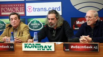 Слабаков поведе съпротивата срещу пълната забрана за пушене