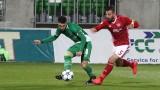 Трима от ЦСКА награждават деца в компанията на Съни Дяков