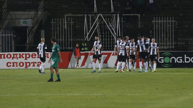 Локомотив (Пловдив) победи Ботев (Враца) с 2:0. Диниш Алмейда откри
