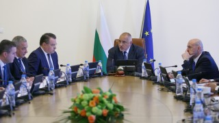 Борисов доволен от свиването на външния дълг