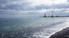 Financial Times: Незаконни доставки на гориво причиниха трагедия край Крим