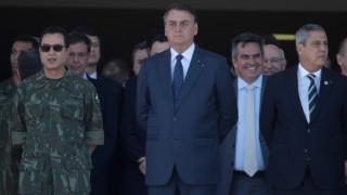 """Долната камара на Конгреса в Бразилия """"поряза"""" Болсонару за хартиените бюлетини"""