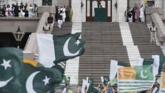 Пакистанският премиер поведе антииндийски митинг в Кашмир