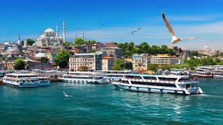 Край на неволите на туризма в Турция. Тя ще спечели $30 милиарда през 2018 г.