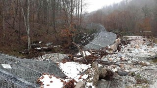 Проливен дъжд отнесъл 40 м. от оградата с Турция