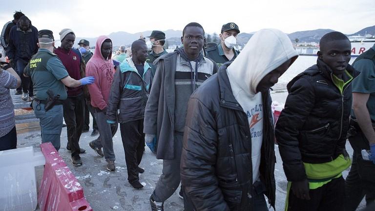 В Австрия намериха 18 мигранти в камиона на българин