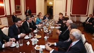 Плевнелиев напира по-бързо да въвеждаме еврото пред еврейски организации в Ню Йорк