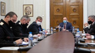 Обсъдиха мерките за опазване на армията ни от коронавируса