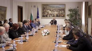 Румен Радев подкрепя финансова децентрализация