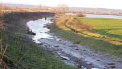 Ежегодно почистване на реките, които се вливат в езерото Мадра, иска областният на Бургас