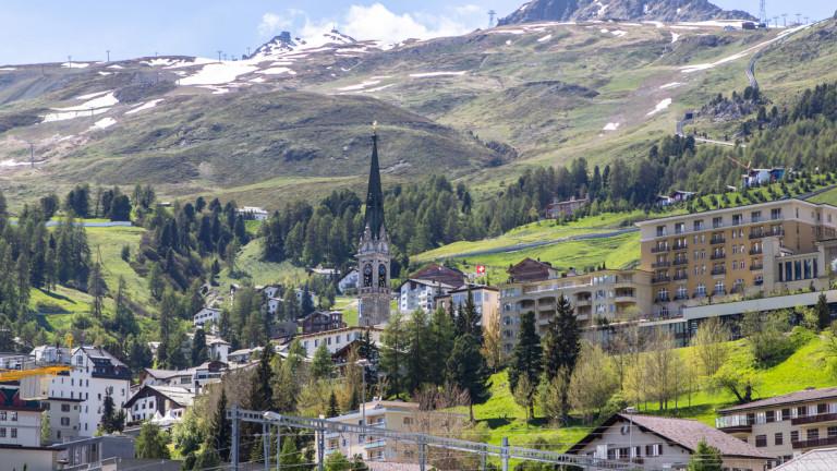 Богаташите в Швейцария започнаха да теглят депозитите си