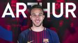 Пропадна трансферът на Артур в Барселона