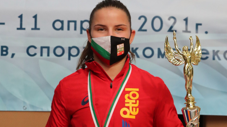 Биляна Дудова ликува с титлата на турнира