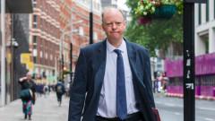"""""""Отвратително"""": тормозиха главния медицински съветник на Великобритания"""