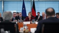 Берлин глобява онлайн гиганти €50 млн., ако не се борят с фалшивите новини и омразата