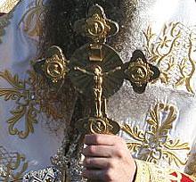 Софийска фирма реставрира иконостаса на русенската църква