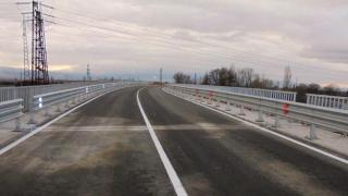 """Строят 9,3 км от """"Хемус"""" за 55 млн. лева"""