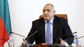 Никакви опашки от тирове по границите, разпореди Борисов с новите ограничения