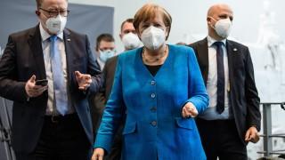 Меркел призова германците да приемат строгите ограничения за коронавируса
