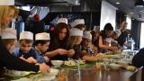 Родни звезди показаха как готвят с децата си (ВИДЕО)